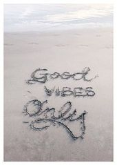Good Vibes Only – Motivation Quotes Card Postcard