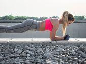 Das Sexy-Bauch-Programm – Trainingsplan für den Bauch | freundin.de